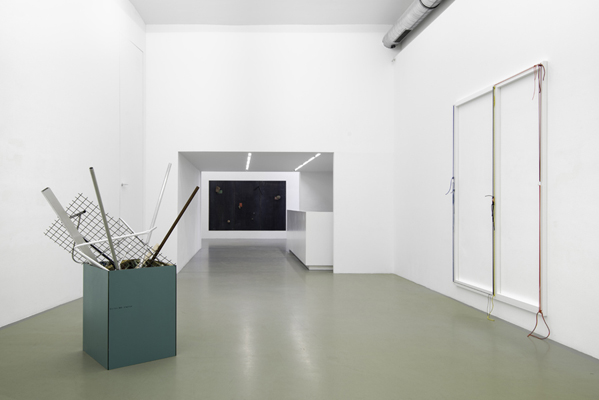 Untitled (Valle d´Aosta) I, II, III, IV / Behälter / Rigid Fragility